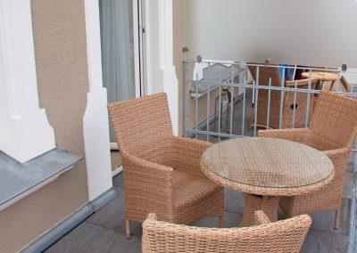 Villa_Glueckspilz_Kuehlungsborn_Meeresbrise_Balkon2
