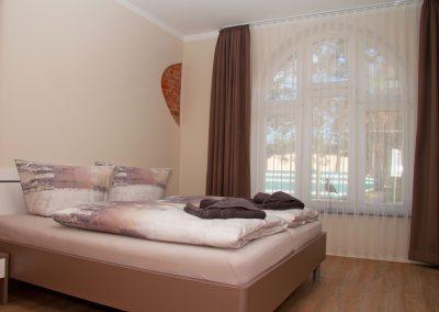 Villa_Glueckspilz_Kuehlungsborn_Meeresrauschen_Schlafzimmer1_3