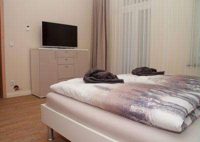 Villa_Glueckspilz_Kuehlungsborn_Meeresrauschen_Schlafzimmer2_2